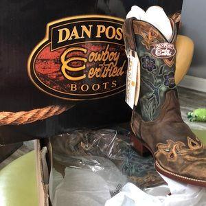Dan post Cowgirl boots size 9 1/2 medium women's